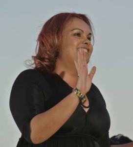 p2050-Mbantua-Satour-hands-