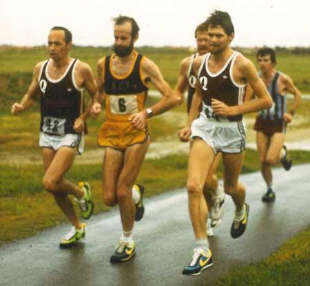 p2122-John-Bell-running