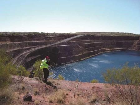 p2143-Groundrush-pit-sm