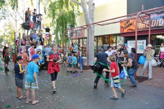 p2134-Fest-parade-pirates-w