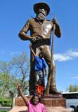 p2134-JMS-statue-&-Abssm