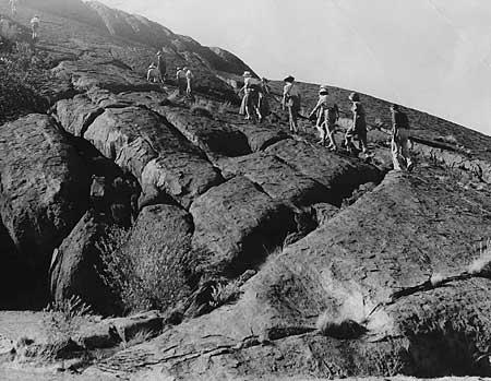 p2207-Rock-climb-pettycoat