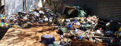 p2291-rubbish-in-house-SM
