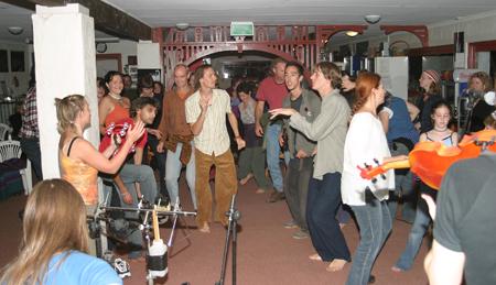 p2293-Glen-Helen-dance