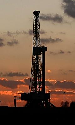 p2298-shale-fracking-rig