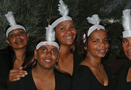 p22104-Mbantua-dancers-1