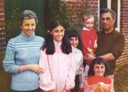 p2296-Ken-Perry,-Ann-&-kids