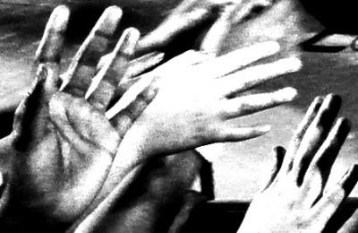 p2313-Black-girls-hands-4