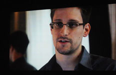 p2327-Citizen4-Snowden-SM