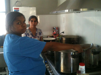 p2335-Akey-cooks