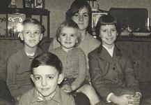 p2338-Family-Sims-SM