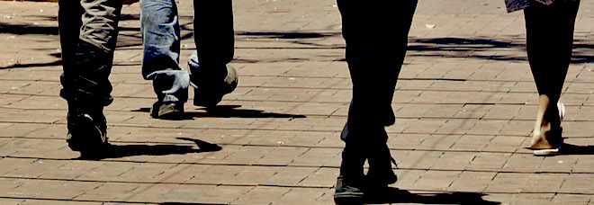 p2376-youths-feet