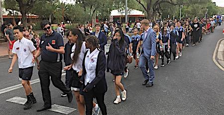 p2429 Anzac parade 11