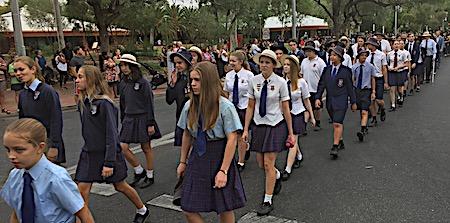 p2429 Anzac parade 12
