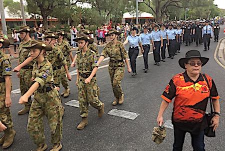 p2429 Anzac parade 19