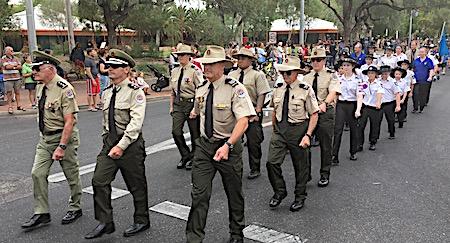 p2429 Anzac parade 4