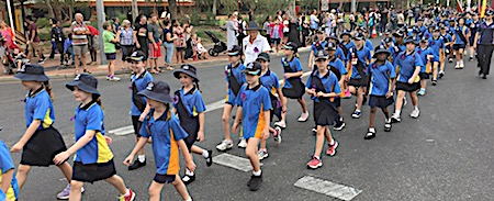 p2429 Anzac parade 7