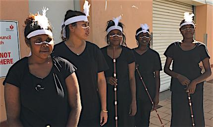 p2459 NAIDOC dancers 430