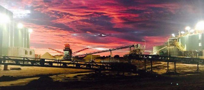 2472 Harts Range garnet mine