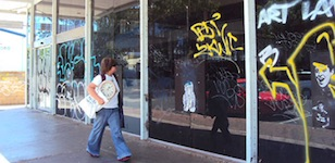 2472 graffiti SM