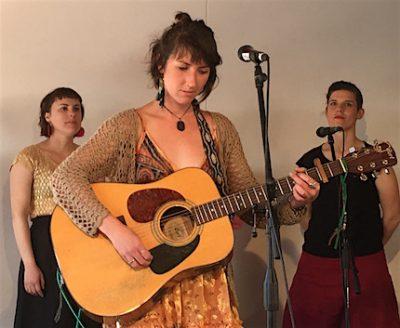 p2481 Desert Fest She sings Candice 430