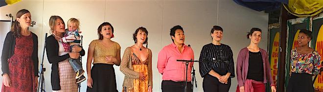 p2481 Desert fest She sings 660
