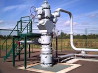 5232 gas wellhead Wikipedia SM