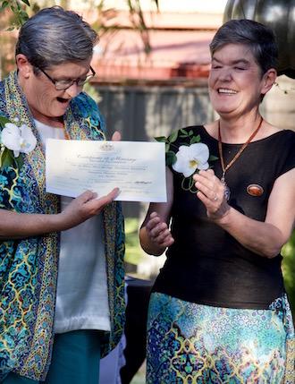 p2579 Maureen & Liz certificate 330