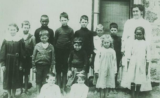1 - 1914 Ida Standley and children OK