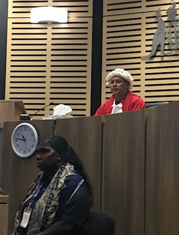 p2624 Law & language judge 400